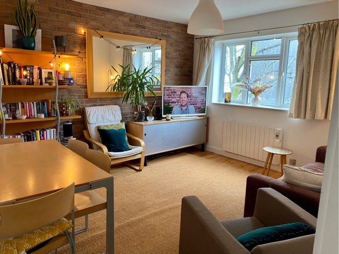 Lovely Dalston flat needs a new roommate